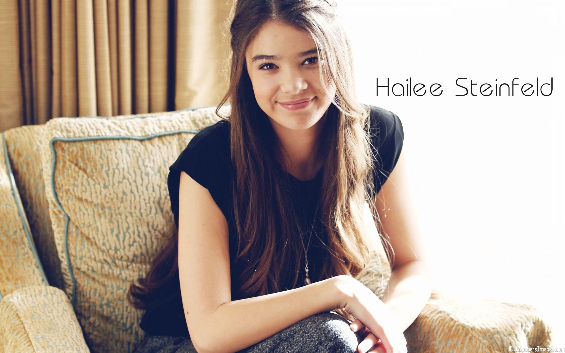 Hailee-Steinfeld-Images